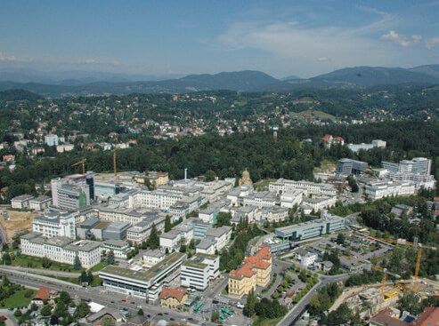LKH-University Hospital Graz contains 20 university clinics with 1,565 patient beds. It has 43 clinical departments and treats approximately 385,000 patients annually.